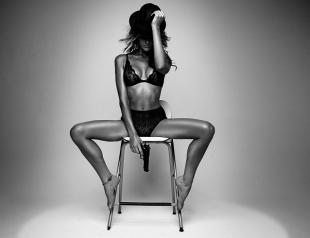 Секс на стуле с комфортом: гайд по сексу без кровати