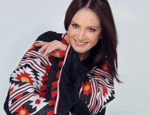 София Ротару на Сардинии похвасталась роскошной вышиванкой за 49 тысяч гривен