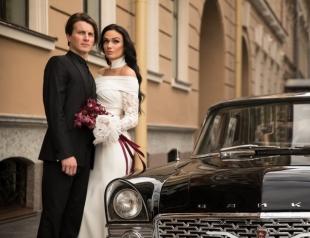 Свадебный презент: муж Алены Водонаевой подарил ей квартиру в Питере
