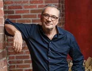 Константин Меладзе признался, почему так редко сам исполняет песни