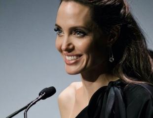 Вот это выход: как сейчас выглядит Анджелина Джоли после развода?