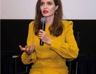 Хэллоуин-2017: стало известно, как Анджелина Джоли готовится к празднику (ФОТО)