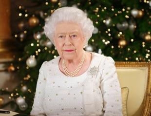 В кабинете Елизаветы II заметили портрет Меган Маркл (ВИДЕО)