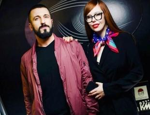 Сбежавшие от мира: Ричард Горн и Соня Плакидюк отдыхают в Барселоне