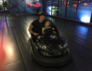Сеть всколыхнули снимки невероятно красивой дочери Дмитрия Тарасова от первого брака (ФОТО)