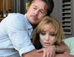 Анджелина Джоли сходит с ума от ревности к Брэду Питту