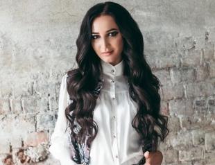 Ольга Бузова пофлиртовала с известным хоккеистом в клубе (ВИДЕО)