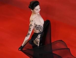 Не надо стесняться! Самое откровенное платье Каннского кинофестиваля 2018