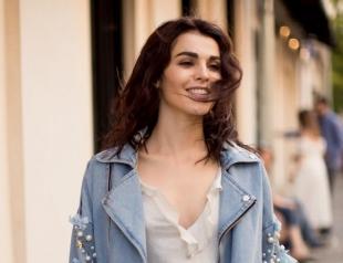 Сати Казанова переехала на Бали и сменила работу