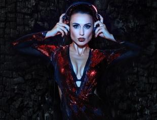 """Горячий ЭКСКЛЮЗИВ: Dj NANA о спорте, """"танцах с холодильником"""" и любви... к еде"""