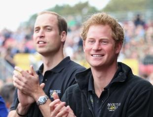 Почему принцы Уильям и Гарри получили разные суммы денег в наследство