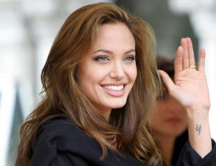 Счастливая и здоровая: Анджелина Джоли сходила с детьми в кино (ФОТО)