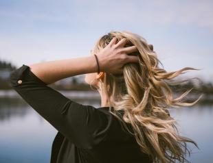Песочный цвет волос на осень 2018 года