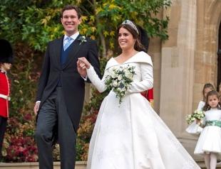 В Сети появились официальные снимки со свадьбы принцессы Евгении и Джека Бруксбэнка