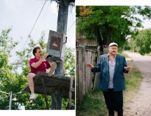 """Как Войтенко с Заднепровским на столб карабкались: эксклюзивные фото со съемок ситкома """"Будиночок на щастя"""""""