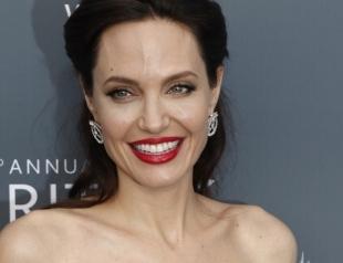 """""""Королева Голливуда"""" Анджелина Джоли: стильная классика"""