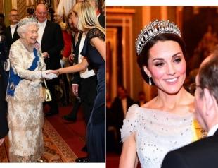 Новый торжественный прием в Букингемском дворце: фото членов королевской семьи
