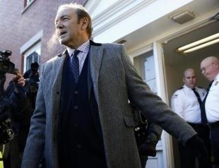 Кевина Спейси задержали после суда. Но не из-за обвинений в домогательствах