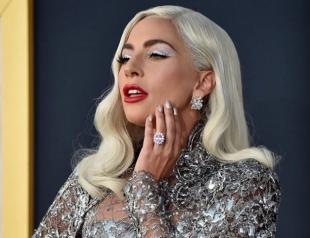 """Леди Гага в образе """"живой куклы"""" снялась для обложки известного глянца (ФОТО)"""