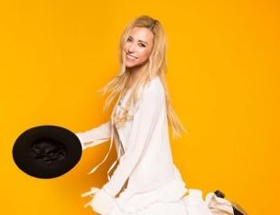Тоня Матвиенко отмечает день рождения: вспоминаем лучшие клипы артистки (ВИДЕО)