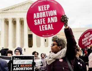 В Алабаме запретили аборты: реакция общественности