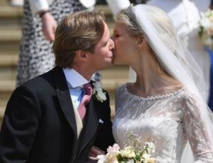 Королевская свадьба: Елизавета II выдала замуж племянницу леди Габриэллу Виндзор (ФОТО)