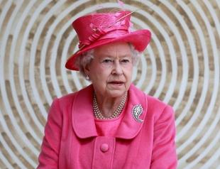 """""""В кружке, с двумя ложками сахара"""": королева Елизавета любезно угостила мебельщика чаем"""