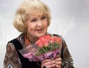 До слез: Ада Роговцева поздравила военных с Днем Защитника Украины