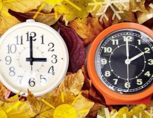 Сегодня Украина перешла на зимнее время: польза и вред перевода часов