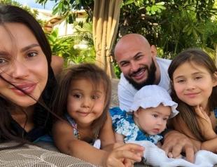 """""""Страшнее всего было рассказать детям"""": жена Джигана откровенно о реакции дочек на ее четвертую беременность"""