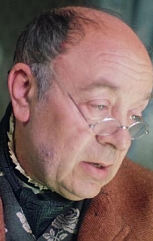 Леонид Броневой поправляется