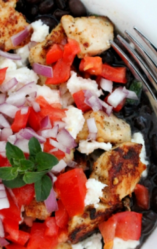 Фоторецепт: курица с сыром и черными бобами