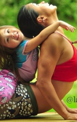 Практикующие йогу мама и 4-летняя дочка стали звездами Instagram
