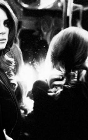 В Сети появился новый трек Ланы Дель Рей Meet Me in the Pale Moonlight