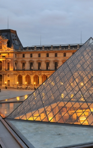 Лувр признан самым популярным музеем мира