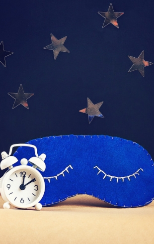 Почему так сложно уснуть: мифы о популярных средствах от бессонницы