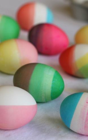 Пасха: пасхальные яйца в технике «омбре»
