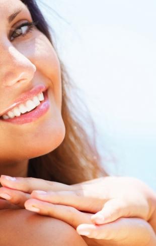 Нежная кожа в палящий зной: как восстановить кожу после загара