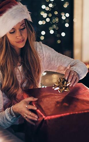 Калейдоскоп идей новогодних подарков подруге — лучшие варианты подарка от души