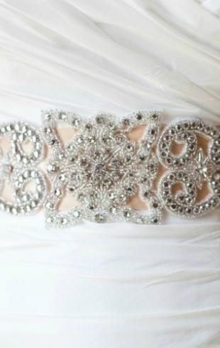 Вышитые платья — тренд в свадебной моде