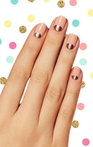 Красивый маникюр в школу на 1 сентября: 40 лучших идей модного дизайна ногтей (фото)
