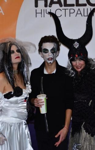 Устрашающе веселая Halloween-вечеринка в Ocean Plaza: тысячи посетителей, веселье до упада, подарки и звездный концерт