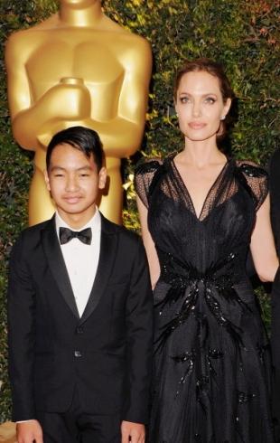 Старший сын Джоли и Питта положит конец их ссорам одним компрометирующим видео