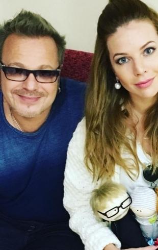 Наталья Подольская поделилась праздничным ФОТО с мужем и сыном