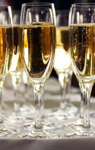 Правила сочетания шампанского и еды