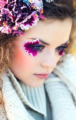 Слишком красиво: цветы-стрелки, как идея для макияжа на свадьбу, фотосессию или вечеринку