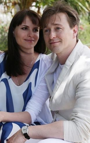 Сергей Безруков показал новую супругу и годовалую дочь Машу (ФОТО)