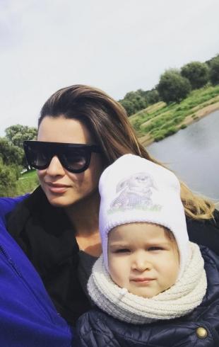 Ксения Бородина показала подросшую дочь Теону и ее игры со старшей сестрой (ВИДЕО)