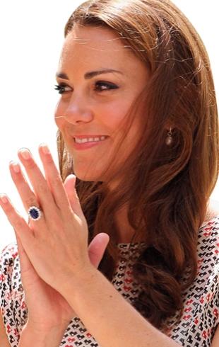 """Почему Кейт Миддлтон никогда не накрасит ногти ярким лаком: любимый """"королевский"""" цвет и фирма лака"""