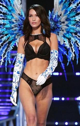 Бодишеймеры раскритиковали Беллу Хадид за целлюлит и неспортивное тело на показе Victoria's Secret-2017 в Шанхае